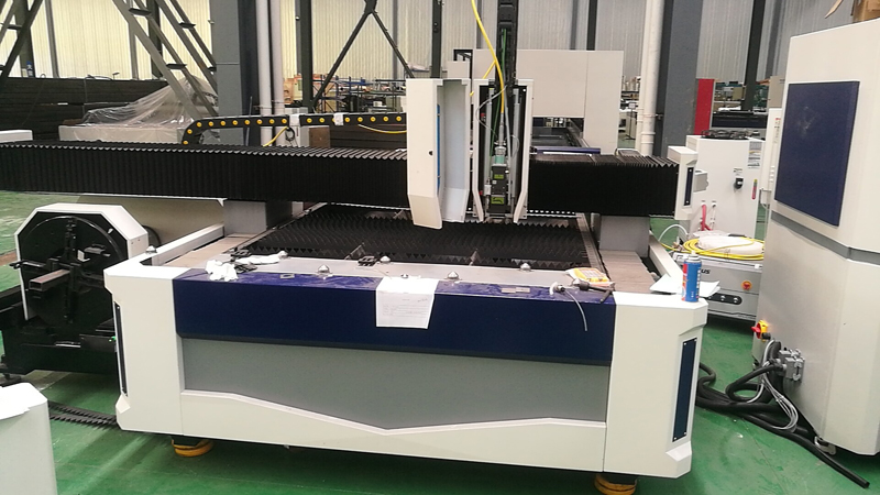 Customer from Malaysia Come to Order the Fiber Laser Cutting Machine