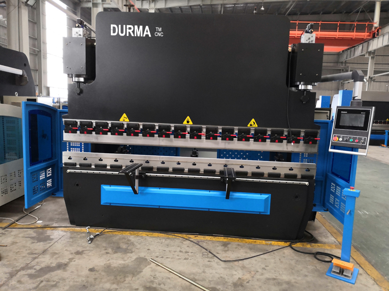 Press Brake 125T 3200mm with Delem DA53T